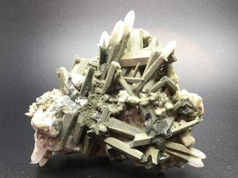 ガネッシュヒマール水晶クラスター